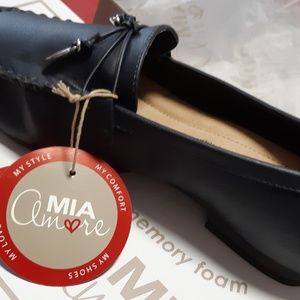 Mia Leather loafer